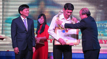 Thien Tan received the Oustanding Enterprise Award of Quang Ngai in 2016
