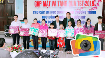 "The Tet gifting ceremony for the children ""Horizon Dream"" and the Phu Hoa's Orphanage"